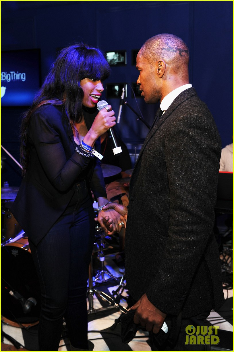 jennifer hudson super bowl party with jamie foxx 02