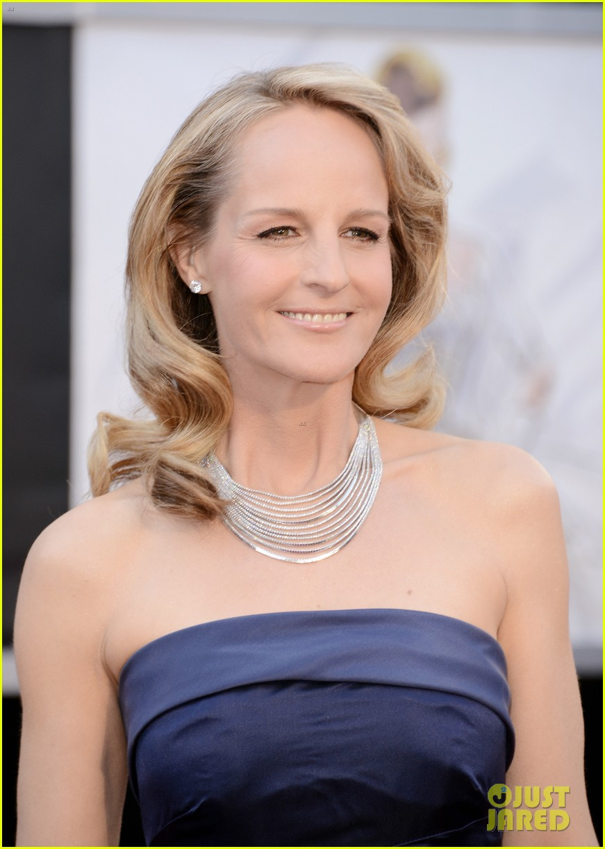 helen hunt oscars 2013 red carpet 04