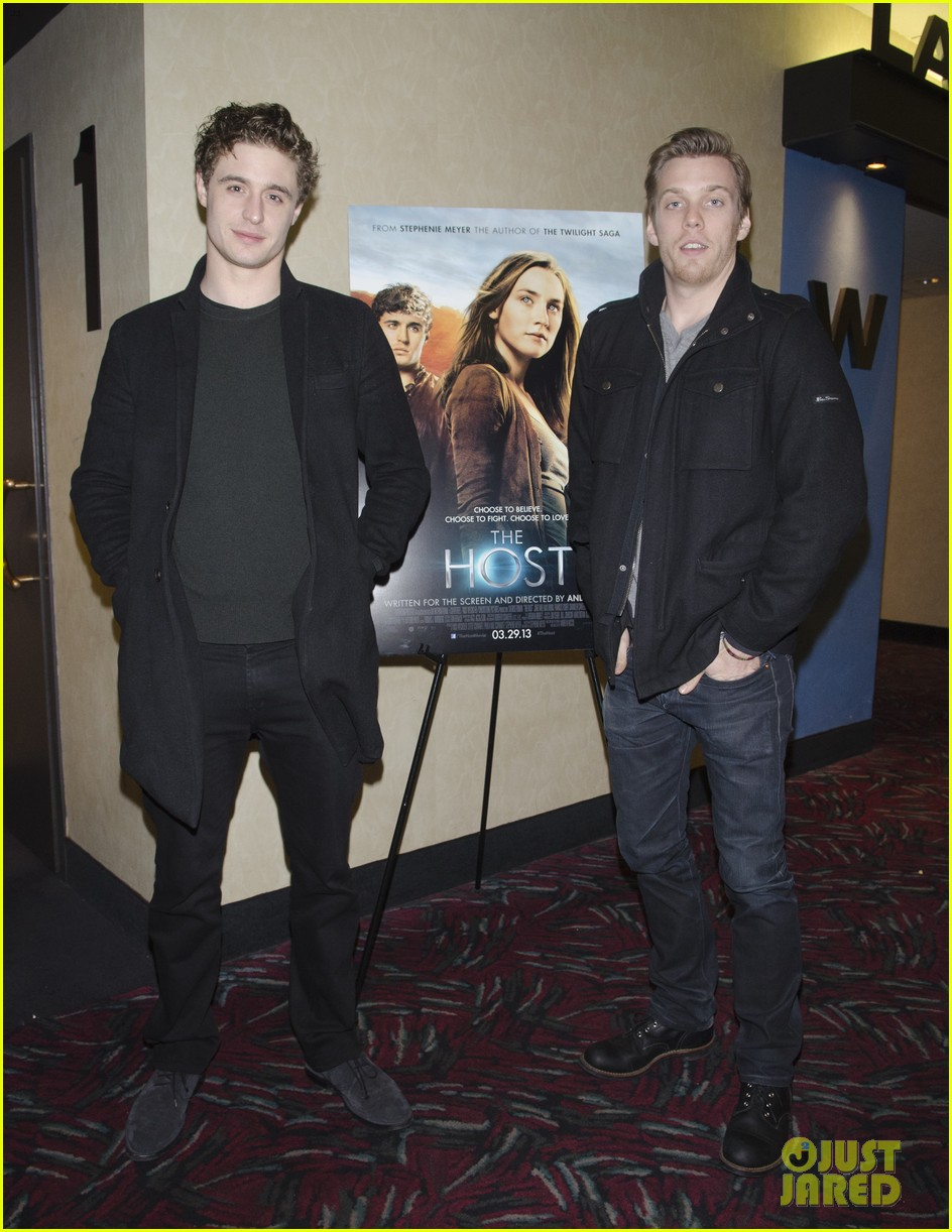 max irons jake abel the host qa with stephenie meyer 02