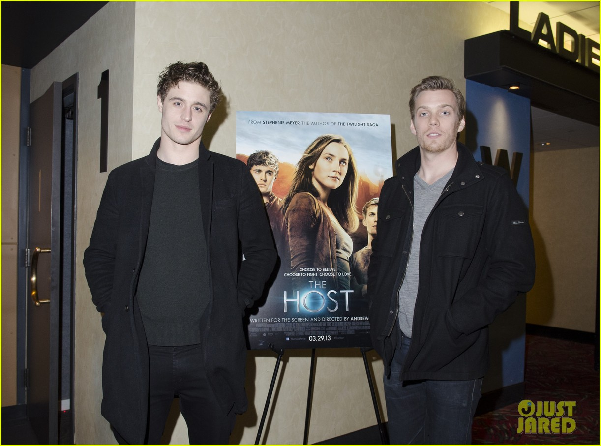 max irons jake abel the host qa with stephenie meyer 04