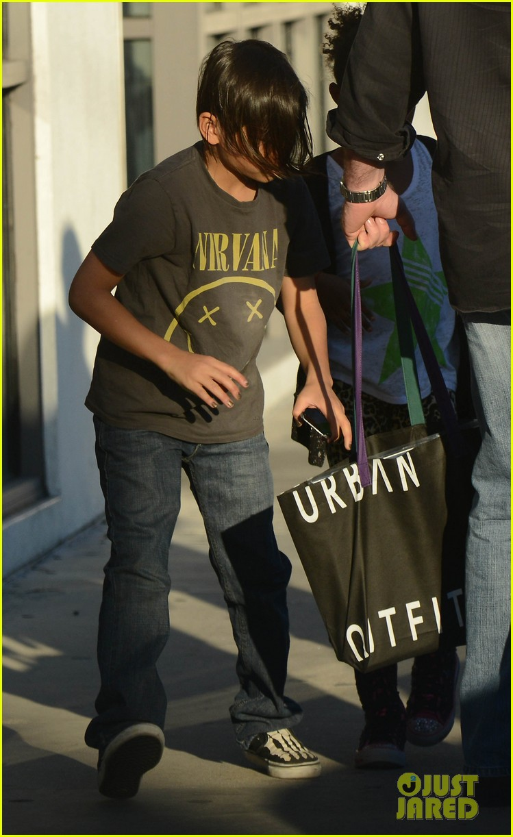 angelina jolie zahara pax urban outfitters shoppers 20