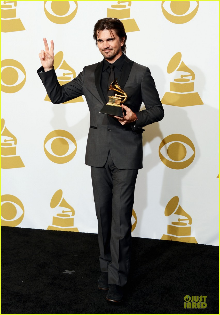 juanes grammys 2013 performance watch now 05