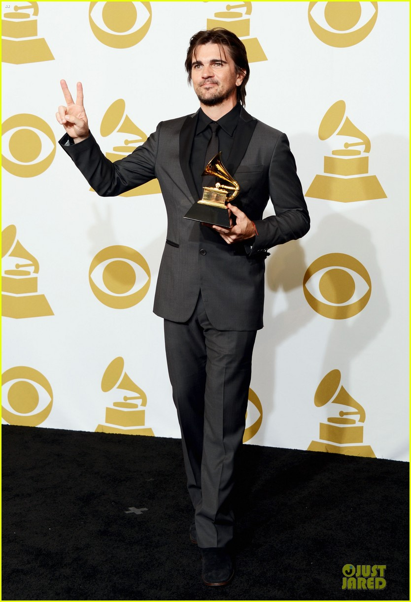 juanes grammys 2013 performance watch now 08
