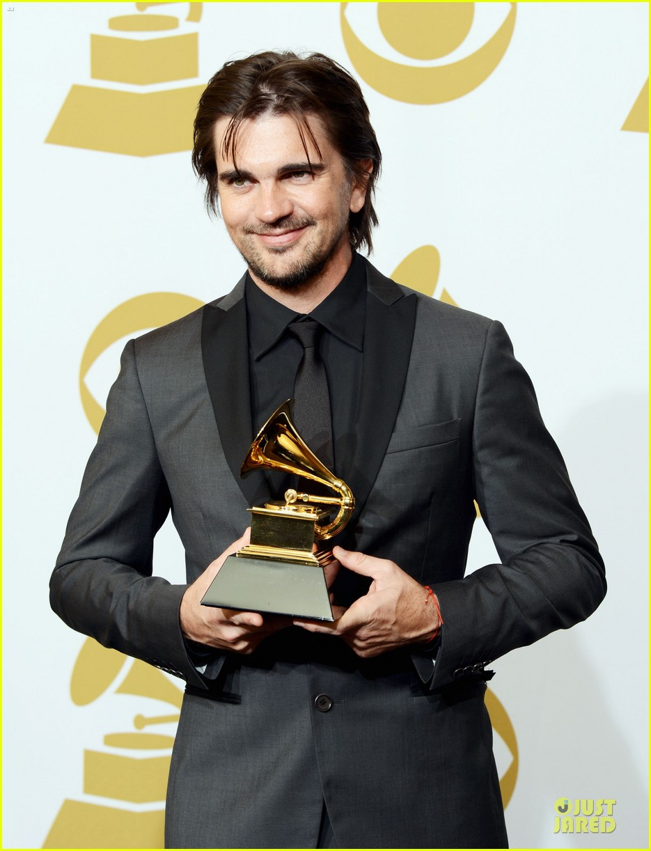 juanes grammys 2013 performance watch now 11