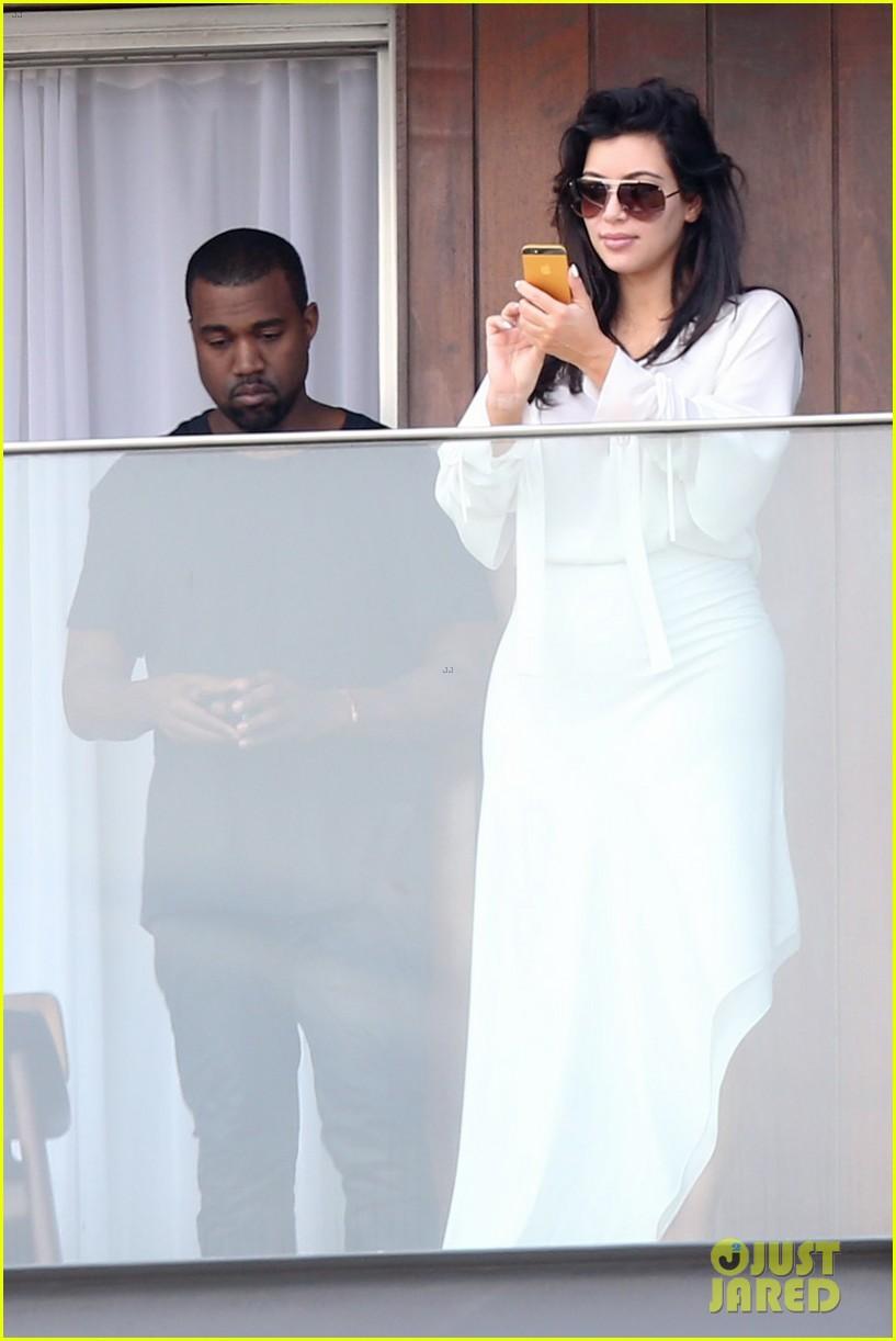 kim kardashian kanye west balcony fun with will smith 02