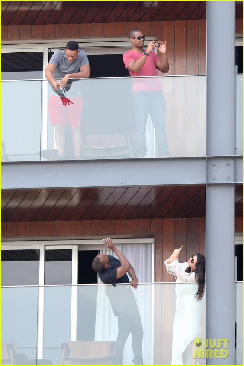 kim kardashian kanye west balcony fun with will smith 03