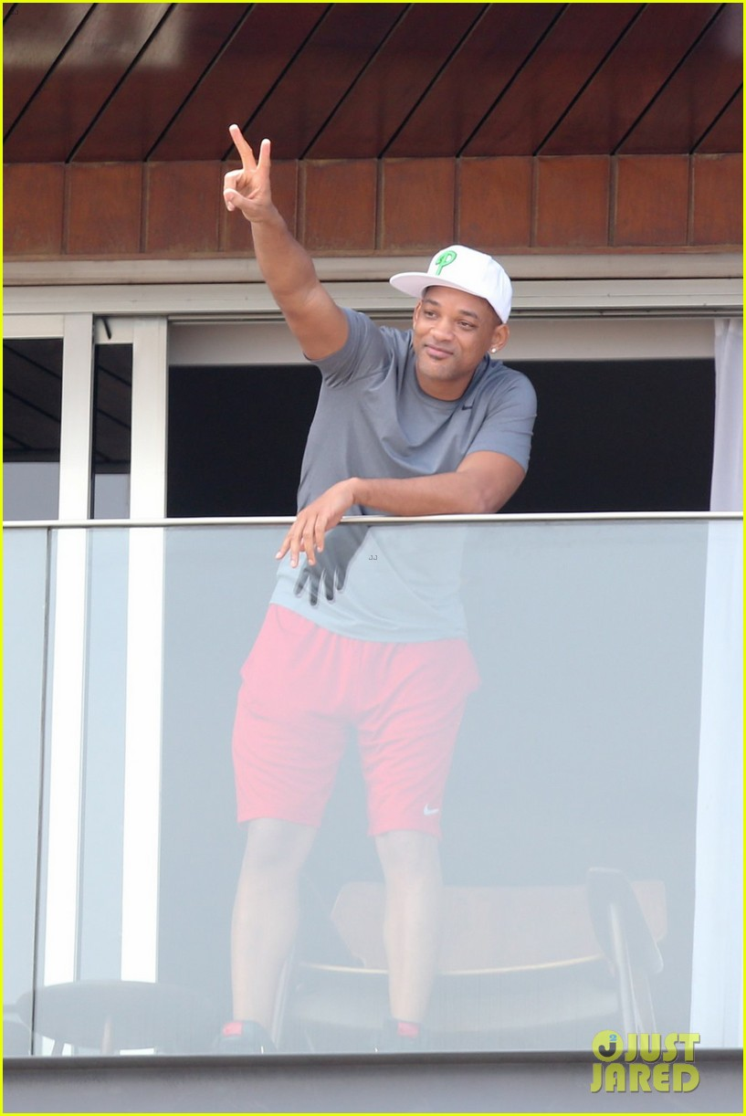kim kardashian kanye west balcony fun with will smith 04