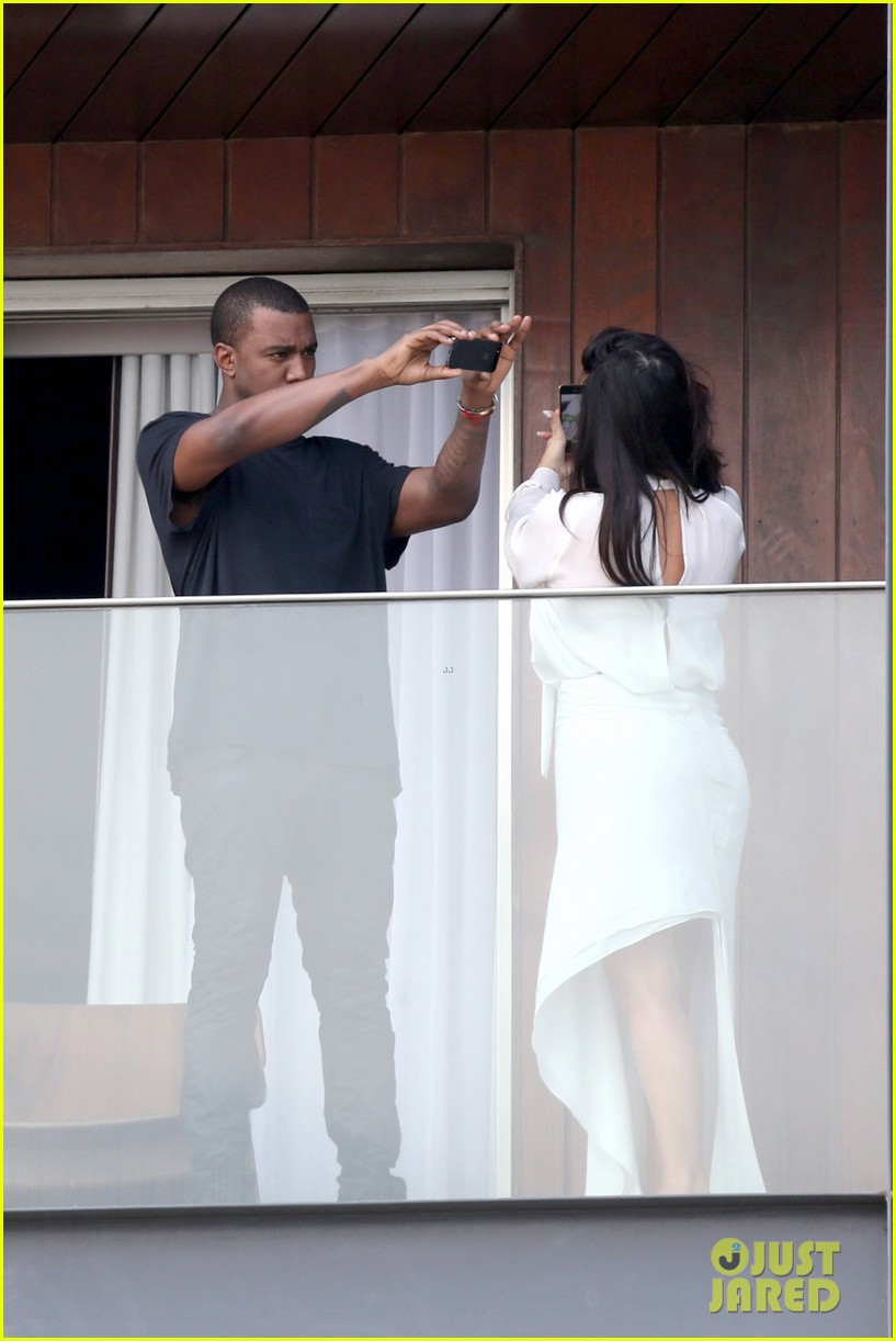 kim kardashian kanye west balcony fun with will smith 05