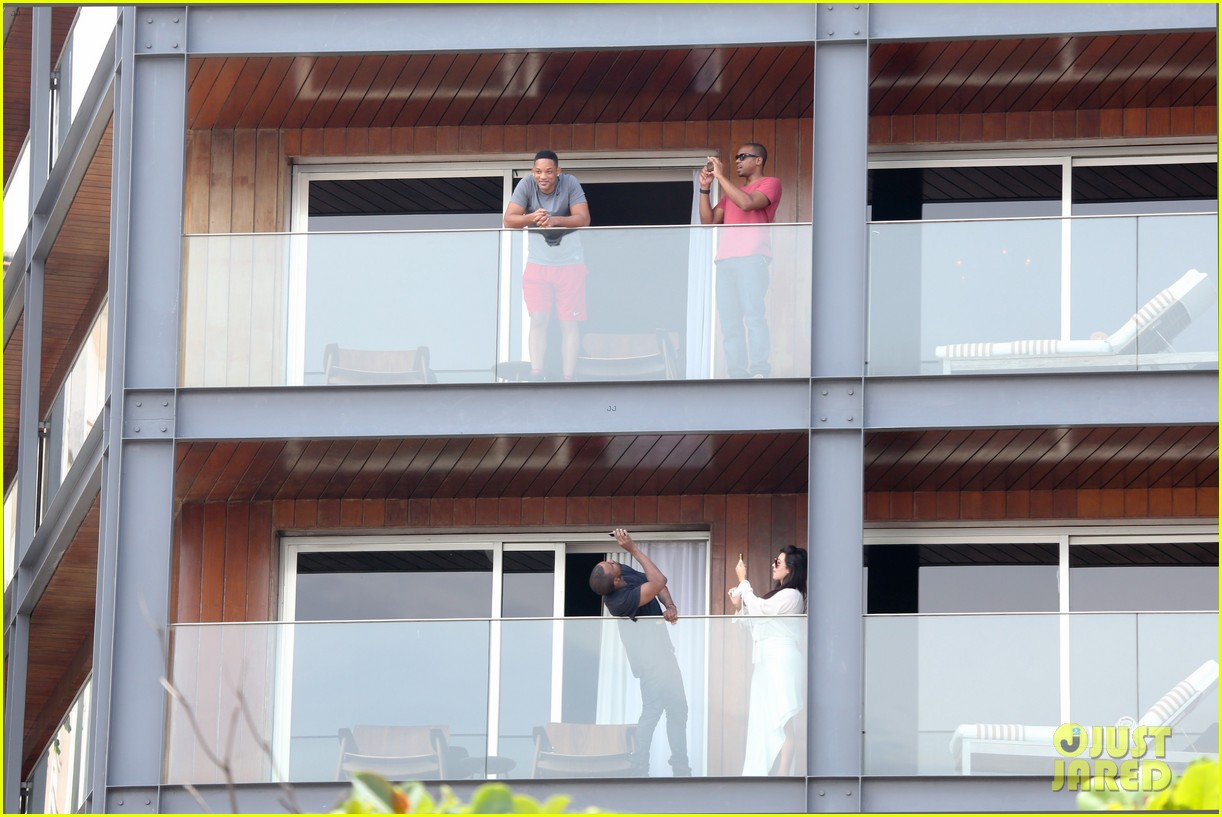 kim kardashian kanye west balcony fun with will smith 06