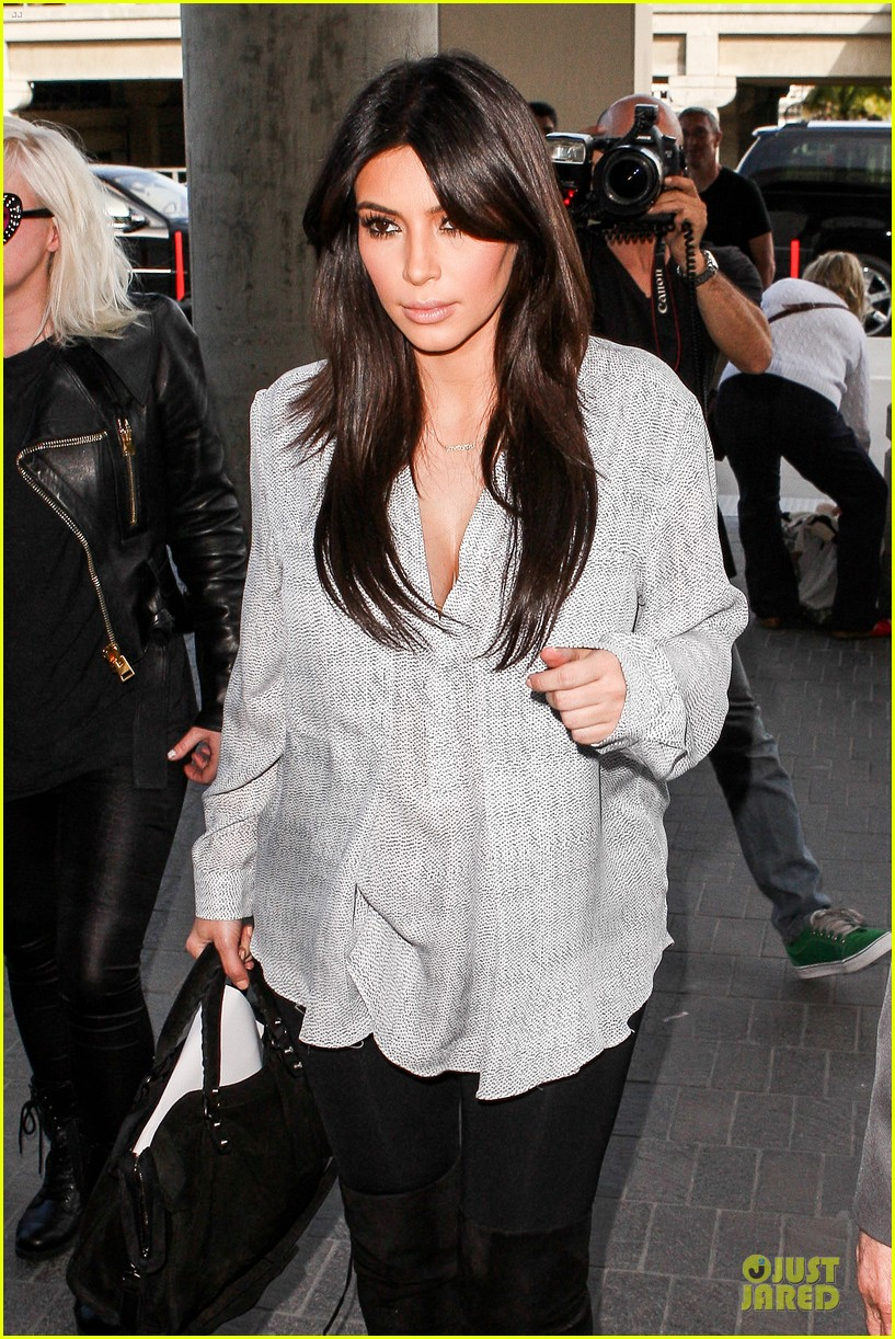 kim kardashian pregnant divorce trail date set 04