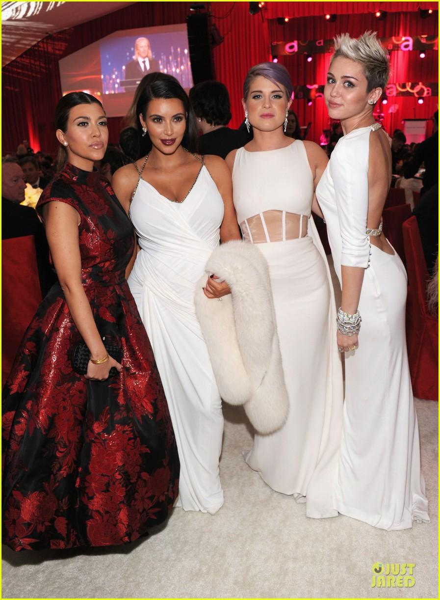 kim kardashian elton john oscars party 2013 03