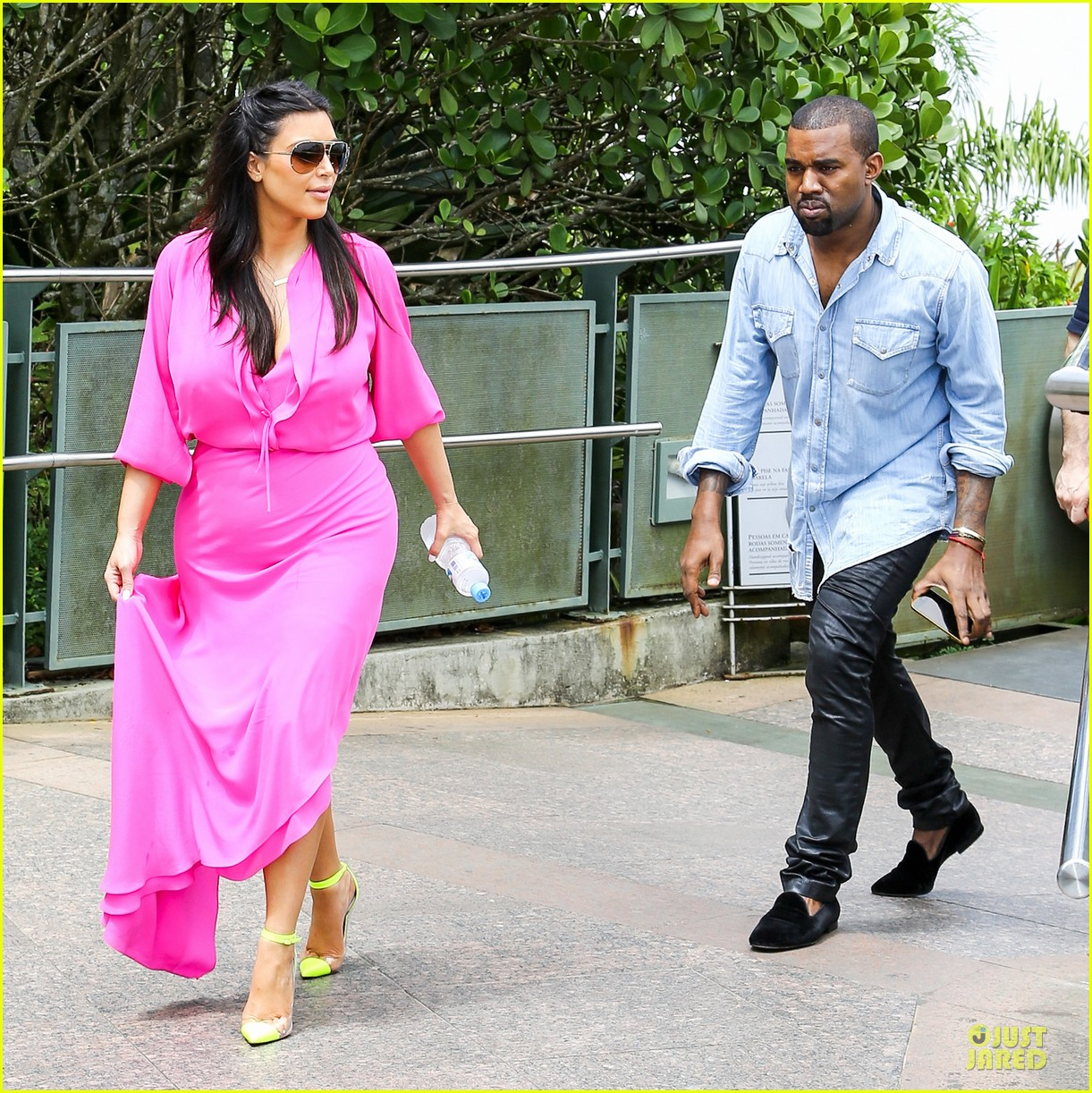 pregnant kim kardashian kanye west rio sightseeing couple 07