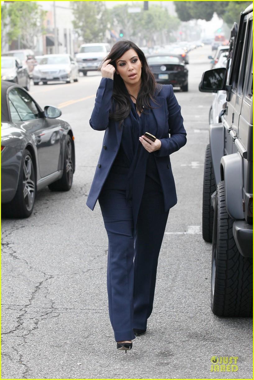 kim kardashian suiting baby bump 10