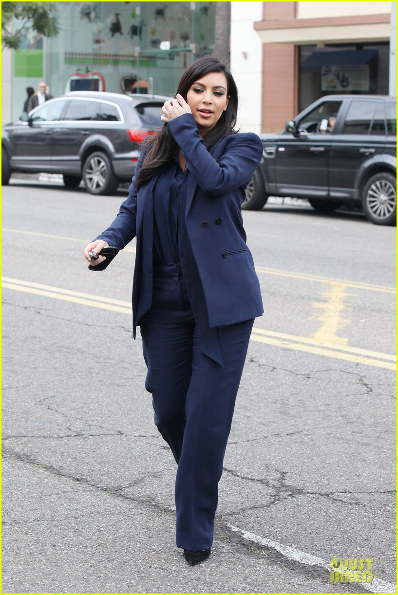 kim kardashian suiting baby bump 19