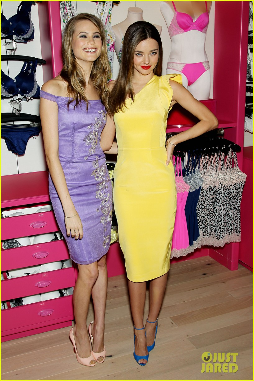 miranda kerr behati prinsloo victorias secret fabulous promotion 01