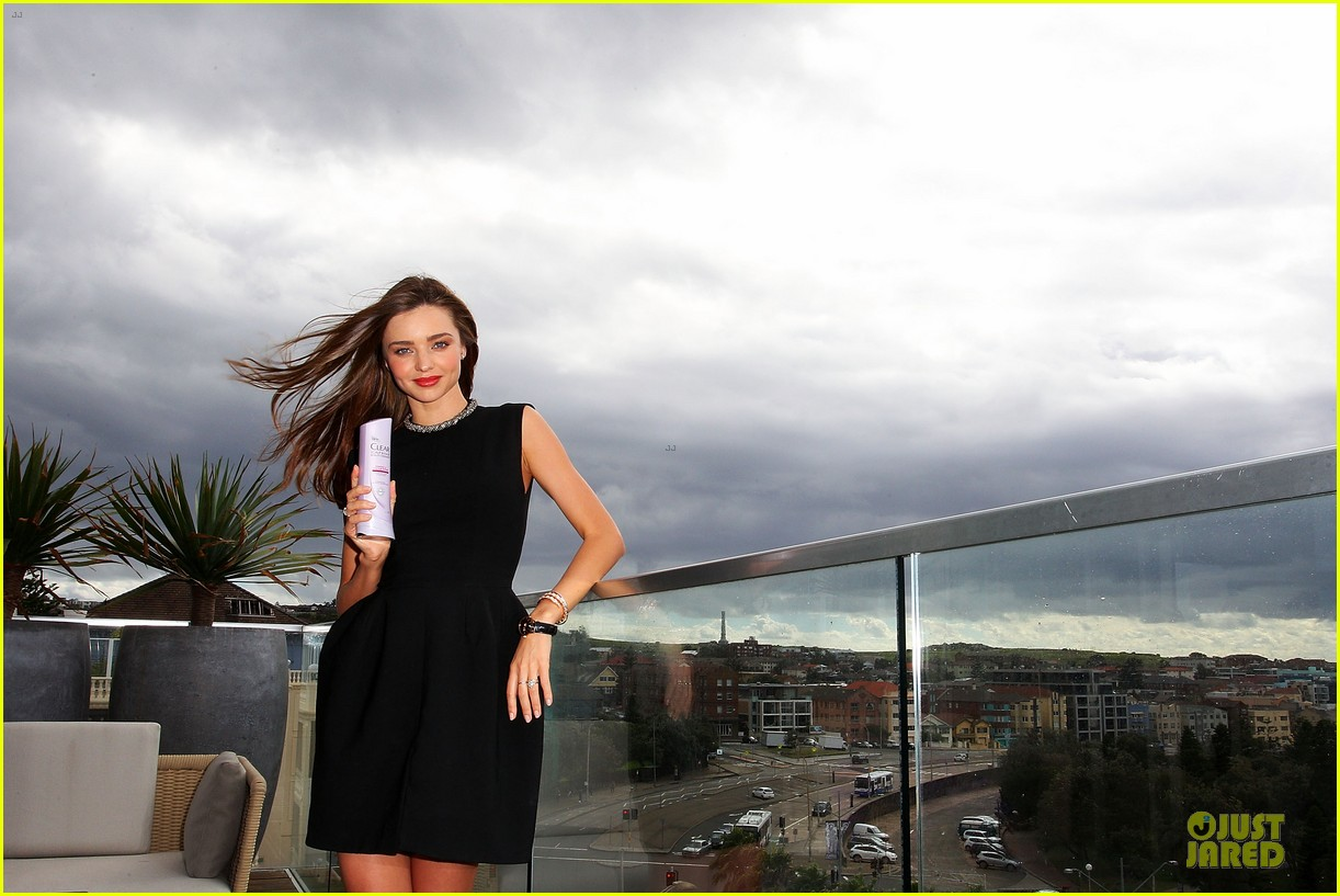 miranda kerr clear scalp hair beauty therapy ambassador media call 10