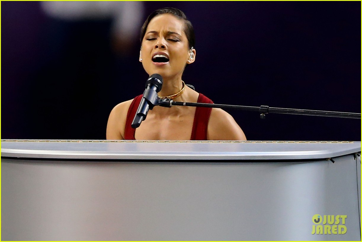 alicia keys super bowl 2013 national anthem video 02
