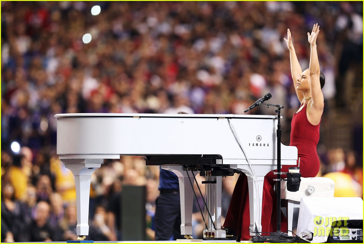 alicia keys super bowl 2013 national anthem video 05