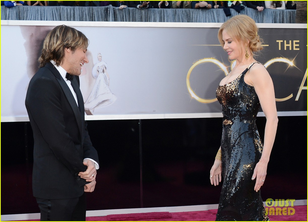 nicole kidman oscars 2013 red carpet keith urban 07