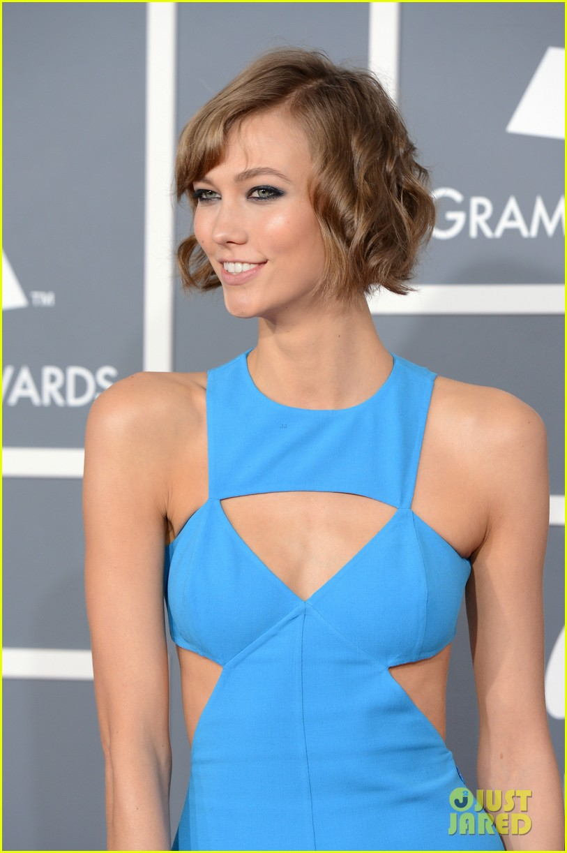 karlie kloss grammys 2013 red carpet 03