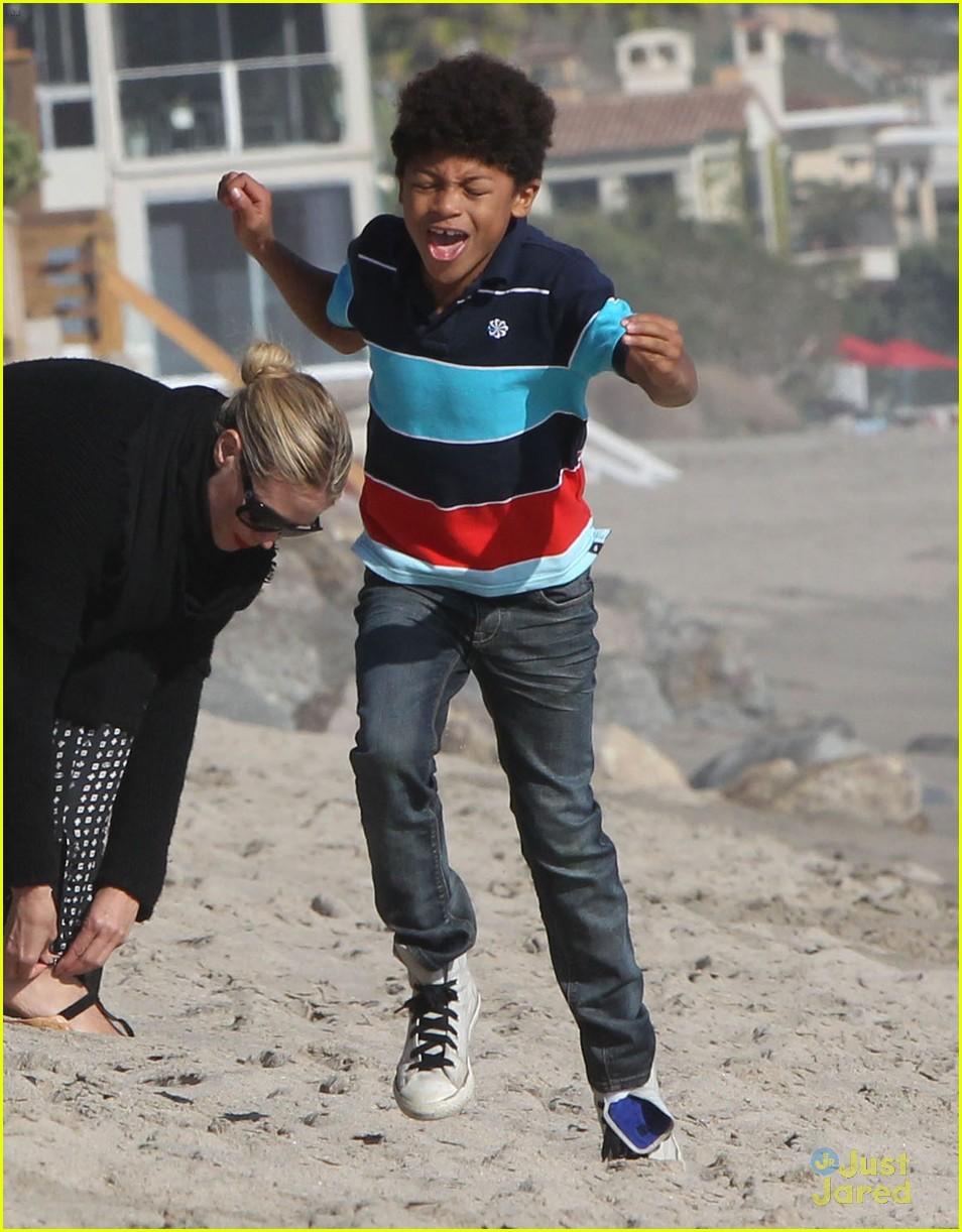 heidi klum martin kirsten beach day with the kids 082814898