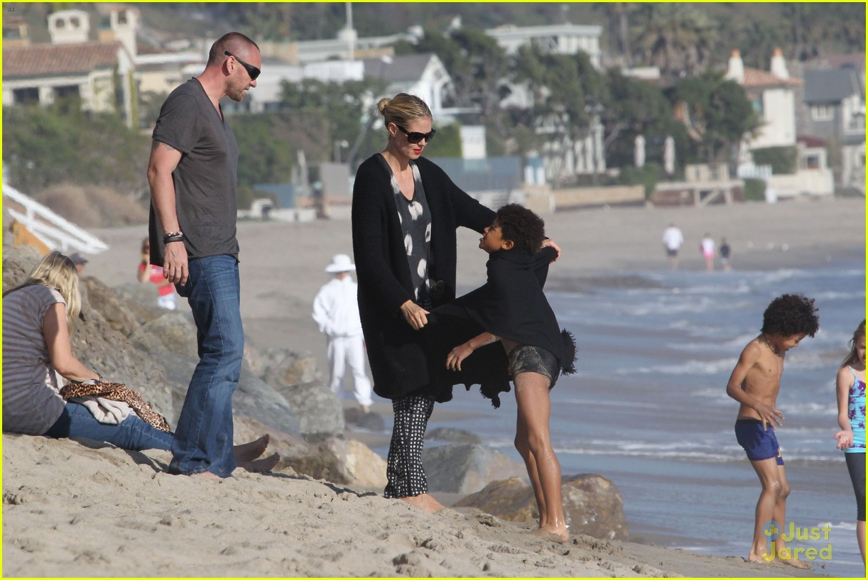 heidi klum martin kirsten beach day with the kids 26