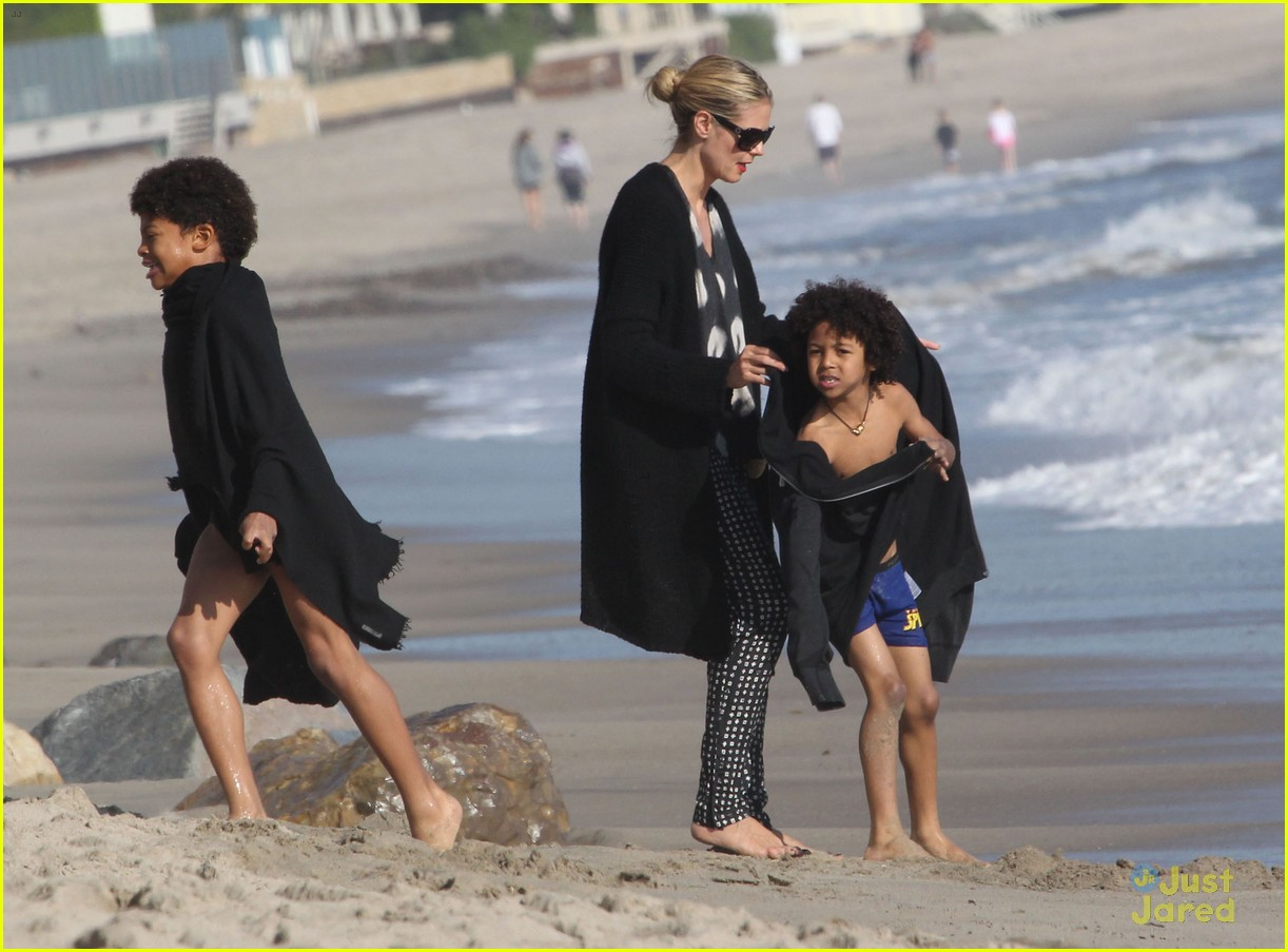 heidi klum martin kirsten beach day with the kids 29