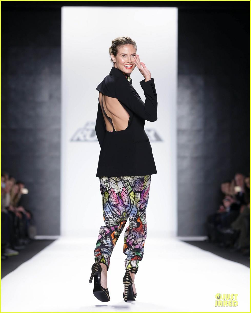 heidi klum kristin chenoweth project runway fashion show 032807541