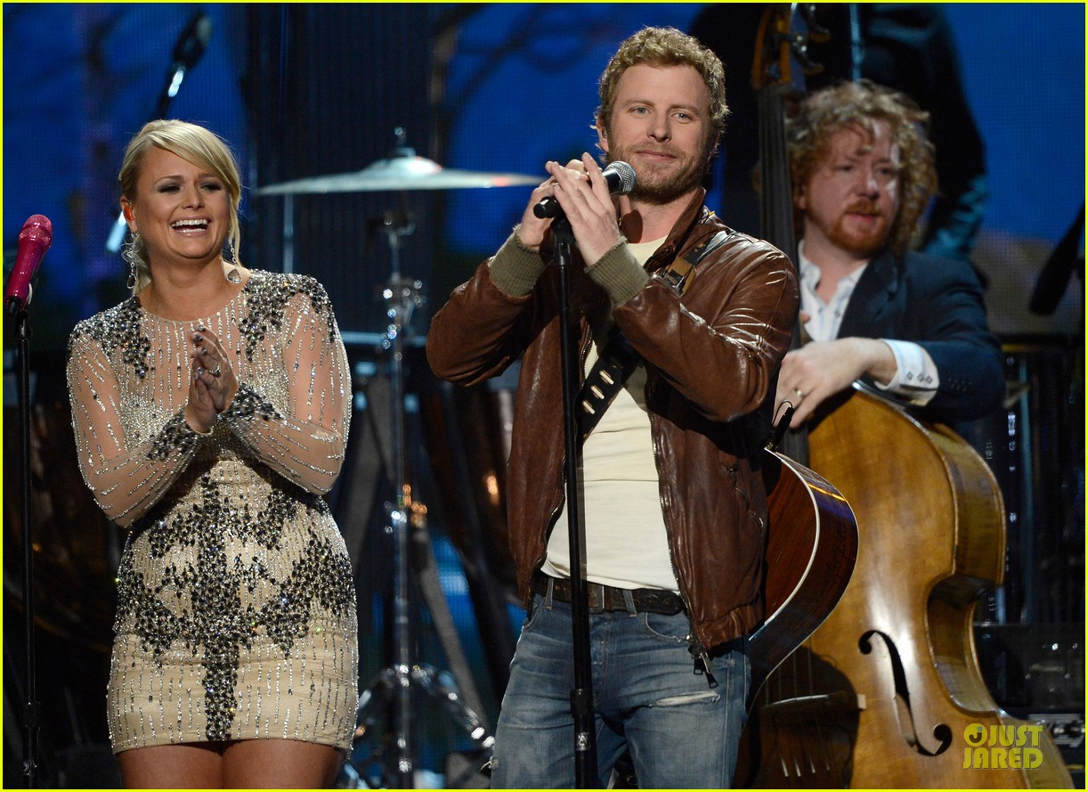 miranda lambert dierks bentley grammys 2013 performance watch now 04