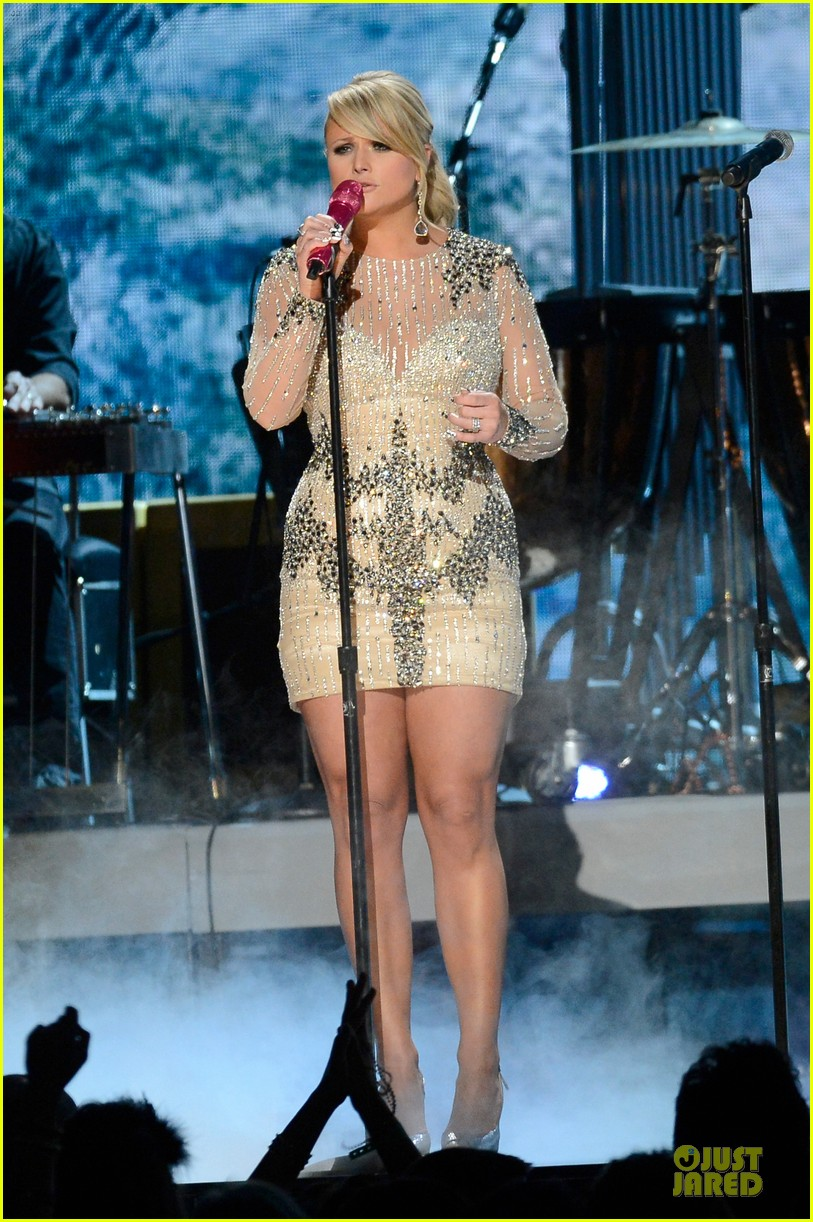 miranda lambert dierks bentley grammys 2013 performance watch now 05