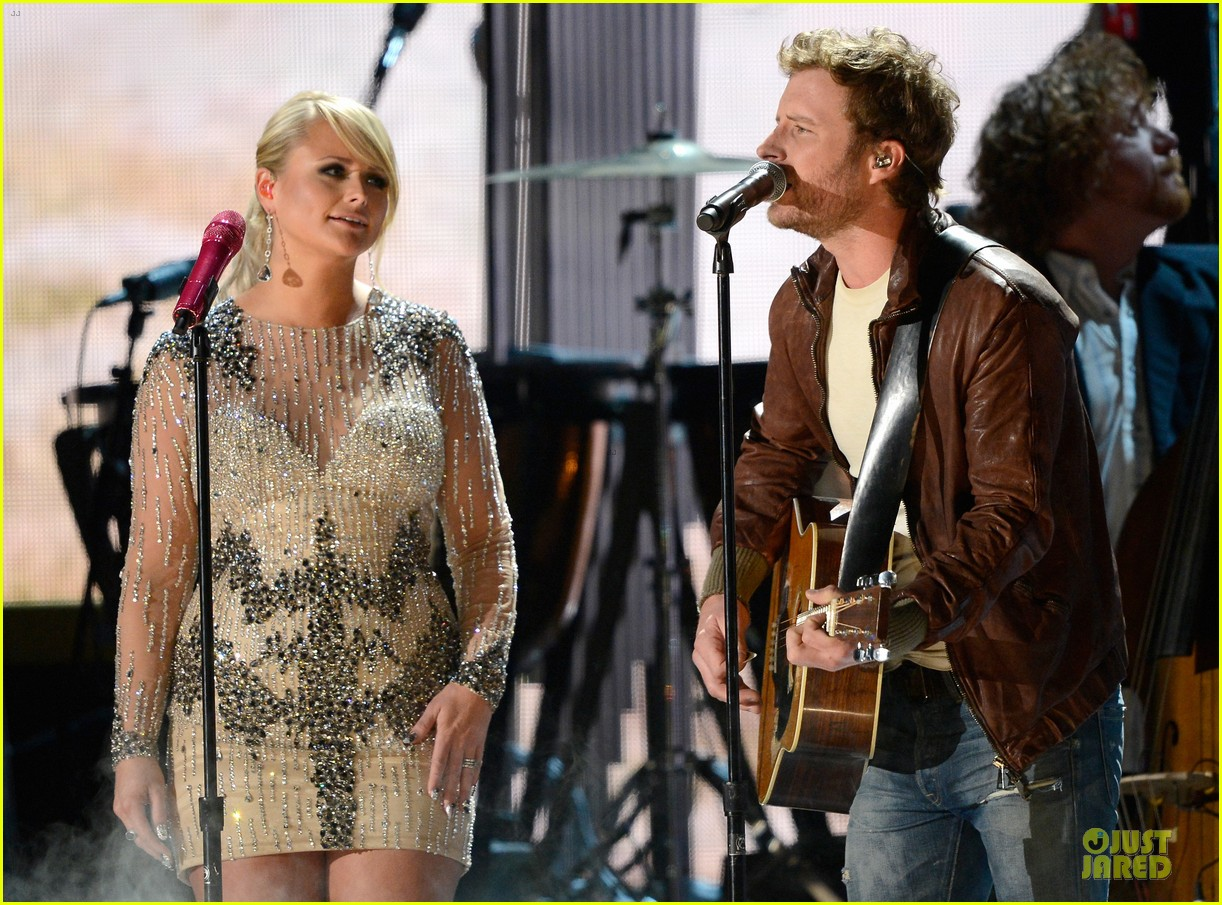 miranda lambert dierks bentley grammys 2013 performance watch now 08