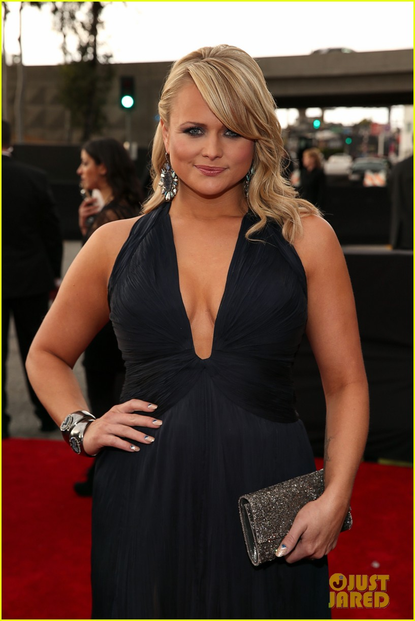 miranda lambert grammys 2013 red carpet 03