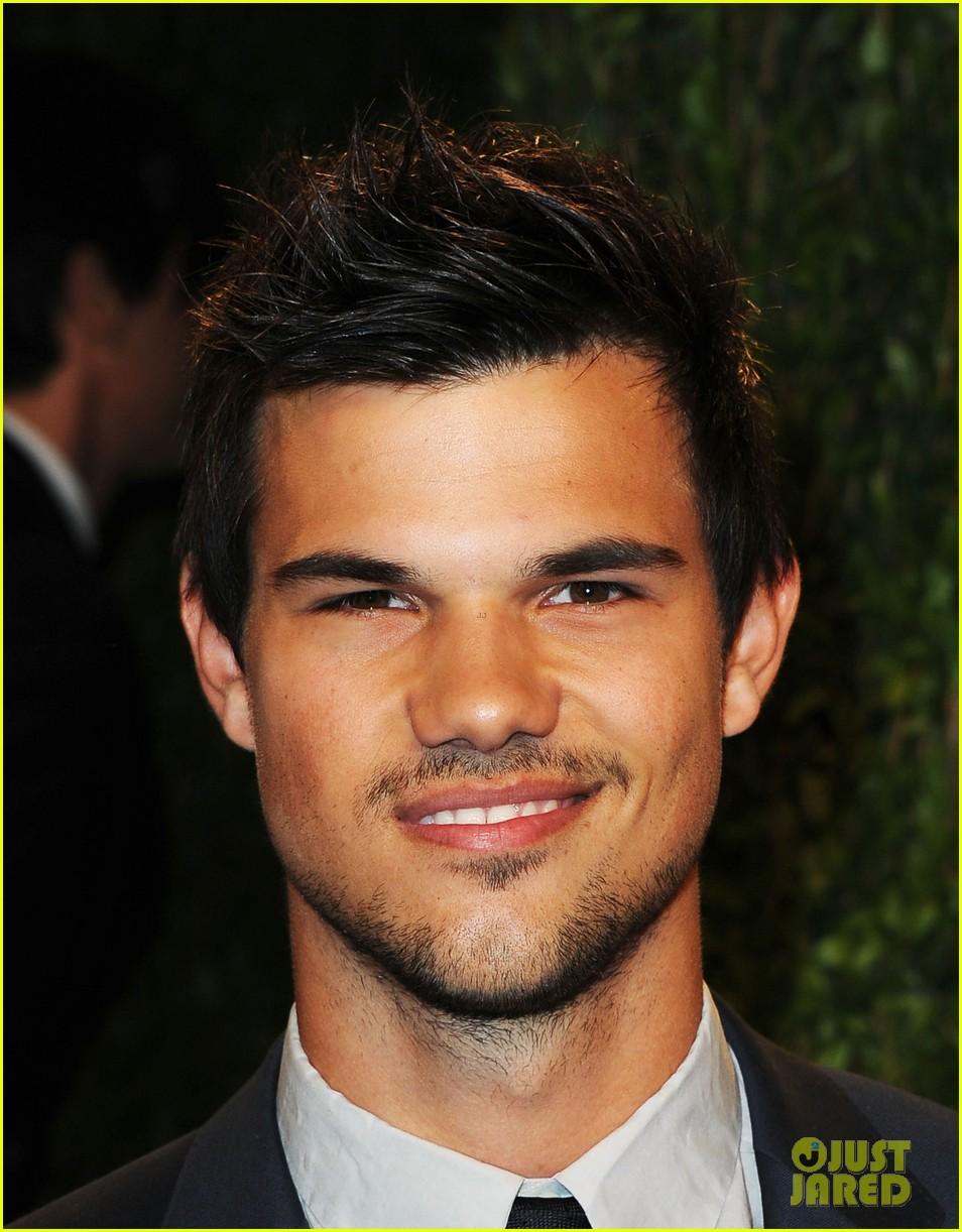 Taylor Lautner - Vanity Fair Oscars Party 2013: Photo 2820340 | 2013 ... Taylor Lautner