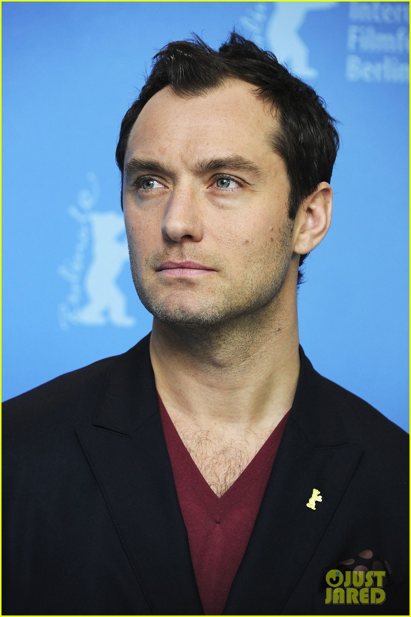 jude law side effects berlin photo call 11
