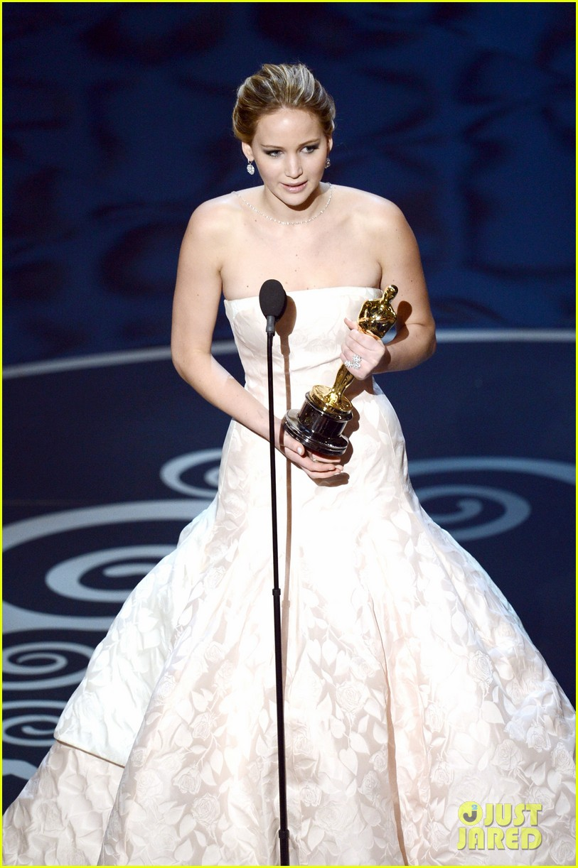 jennifer lawrence wins best actress falls on stage 03