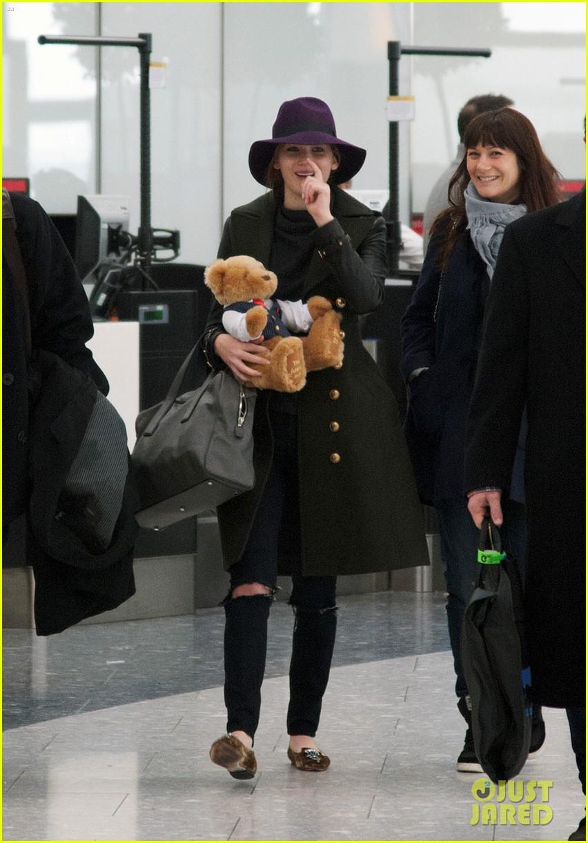 jennifer lawrence teddy bear departure in london 032809989