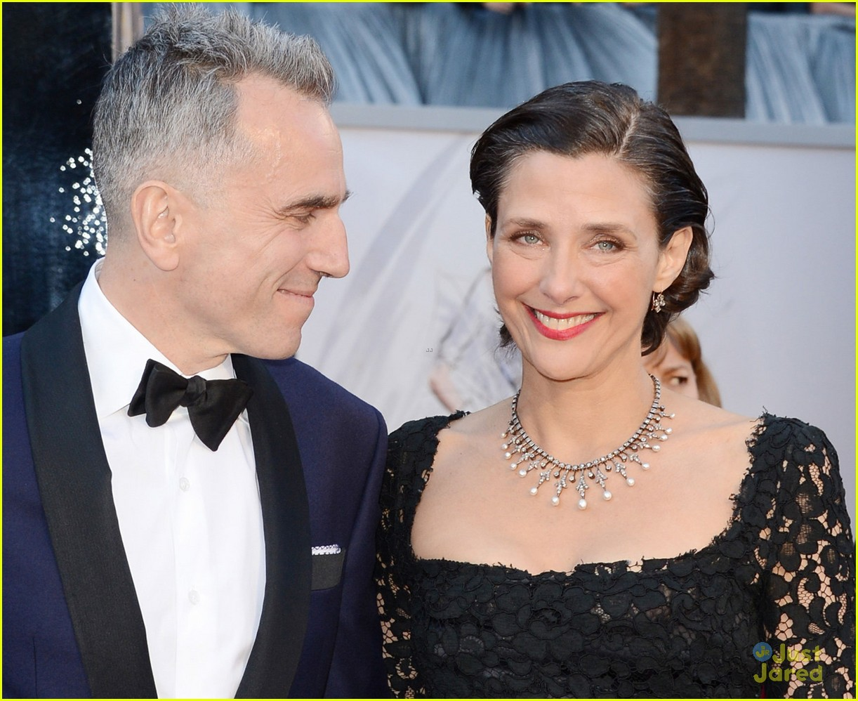 daniel day lewis oscars 2013 red carpet 06