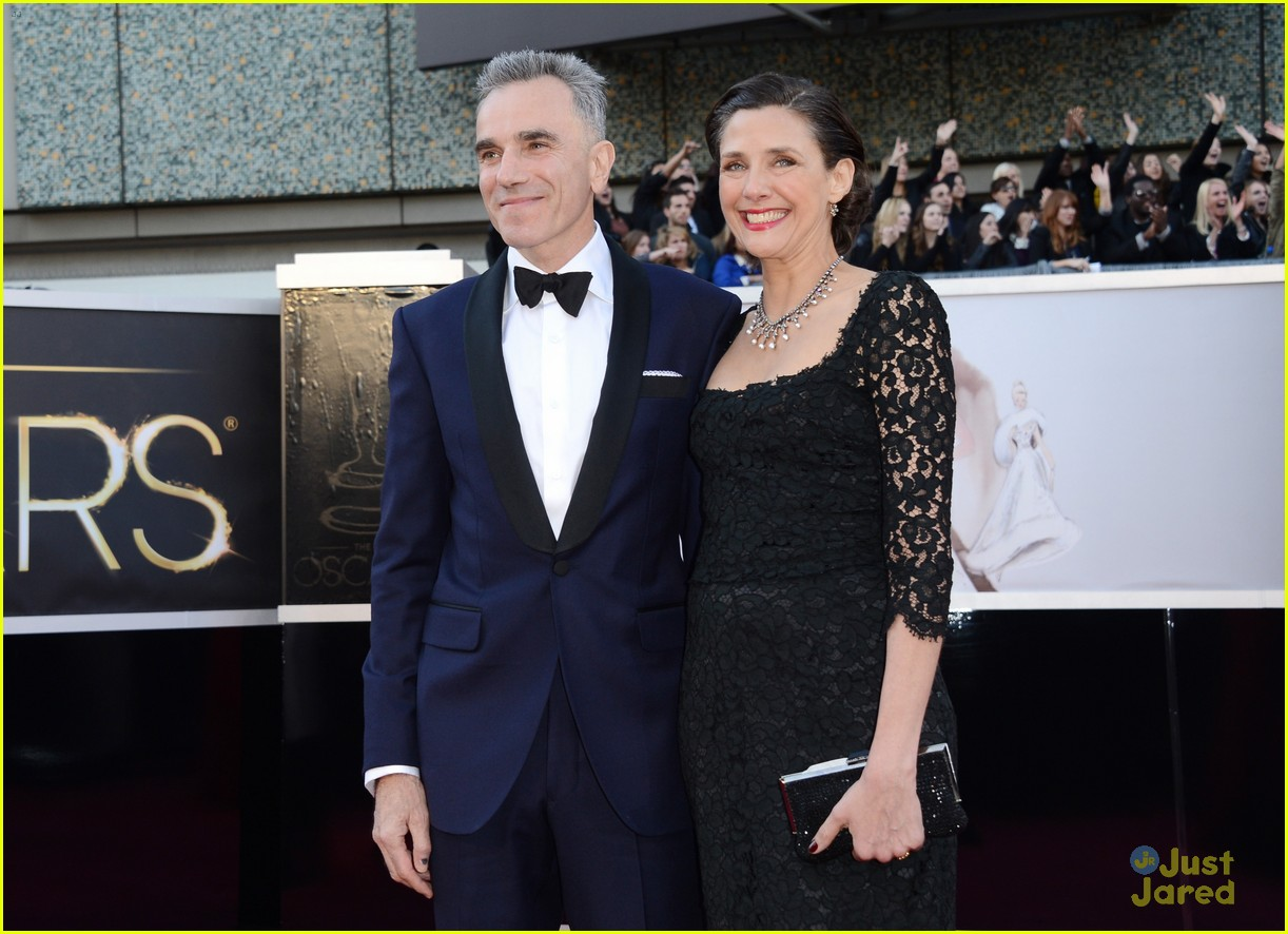 daniel day lewis oscars 2013 red carpet 09