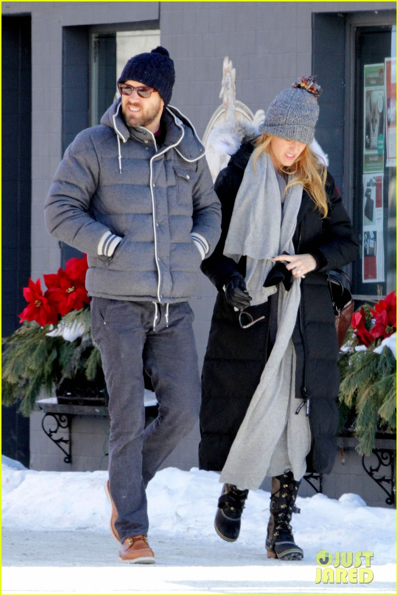 blake lively ryan reynolds snowy weekend in canada 012809727
