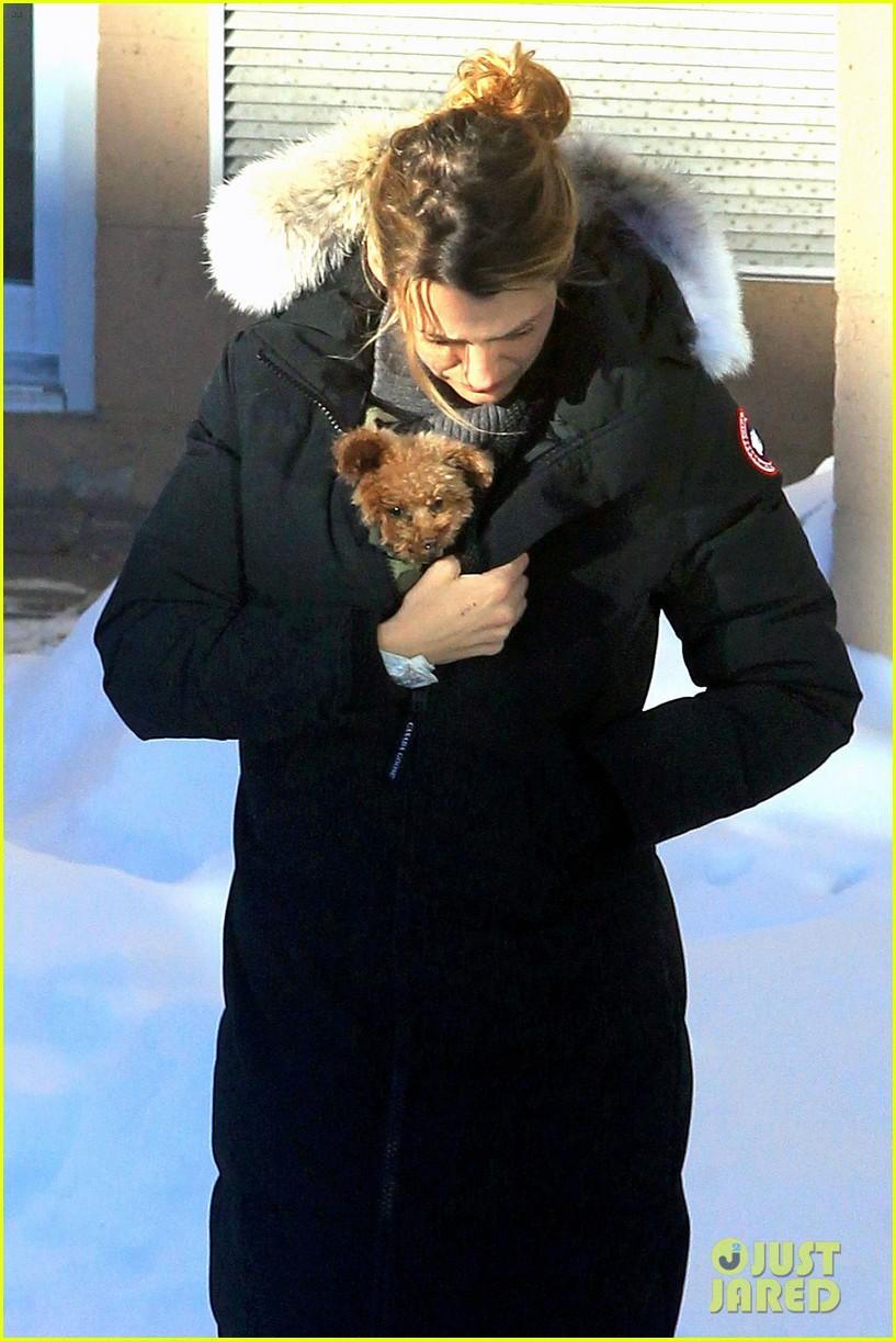 blake lively ryan reynolds snowy weekend in canada 382809764