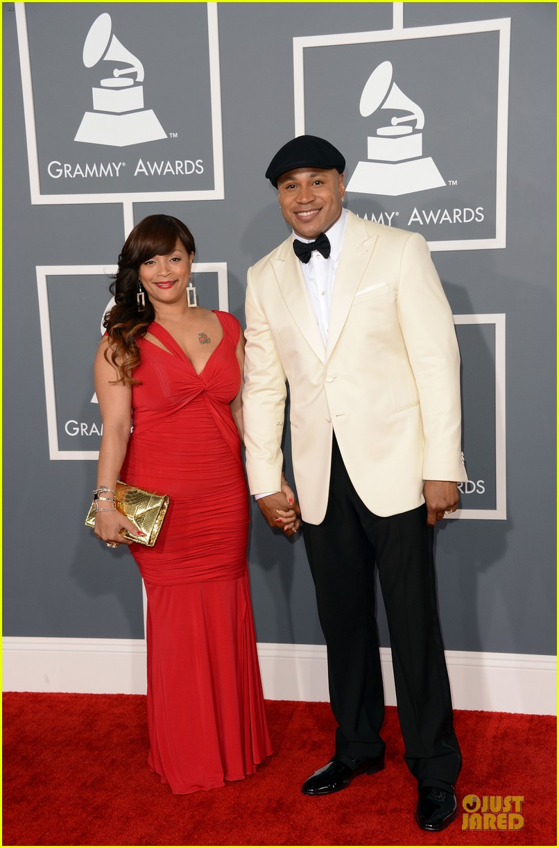 ll cool j 2013 grammys red carpet 01