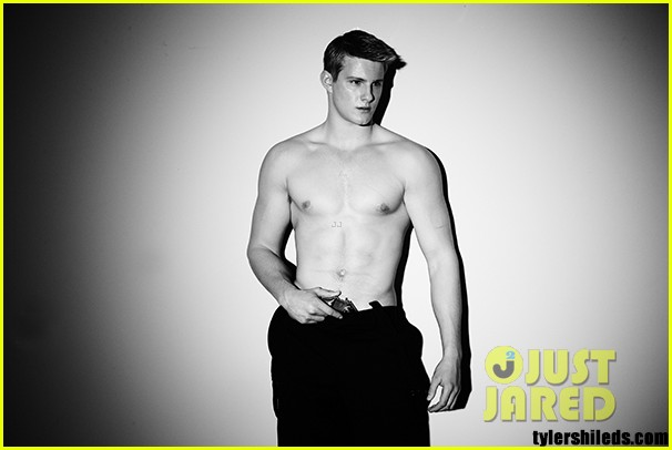 alexander ludwig shirtless for final girl first look 02