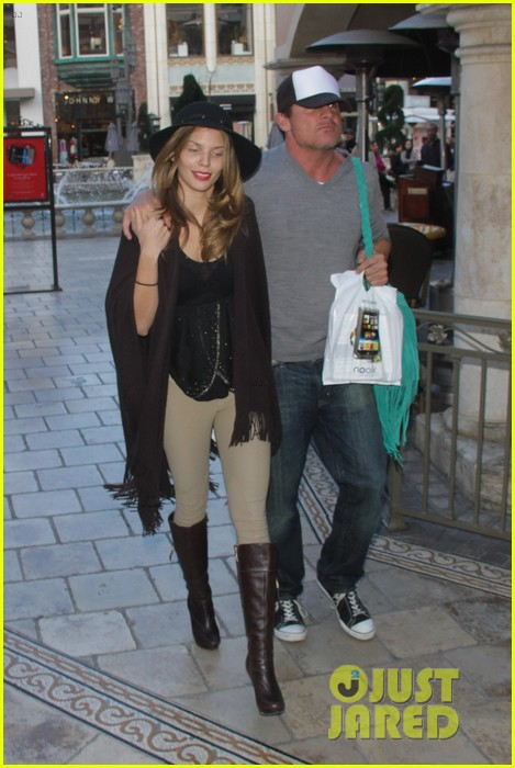 annalynne mccord dominic purcell the grove couple 05