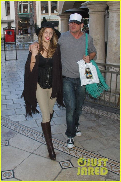 annalynne mccord dominic purcell the grove couple 25