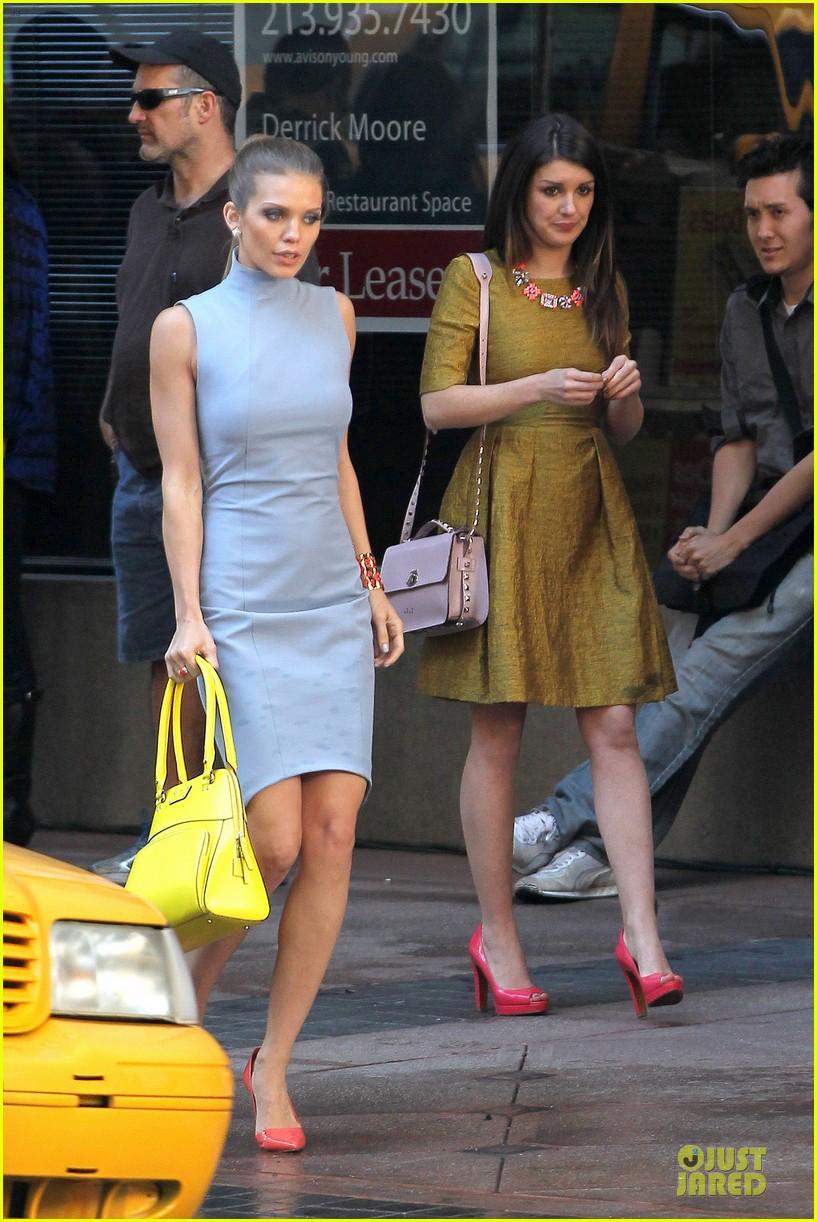 annalynne mccord new york glamour for 90210 03