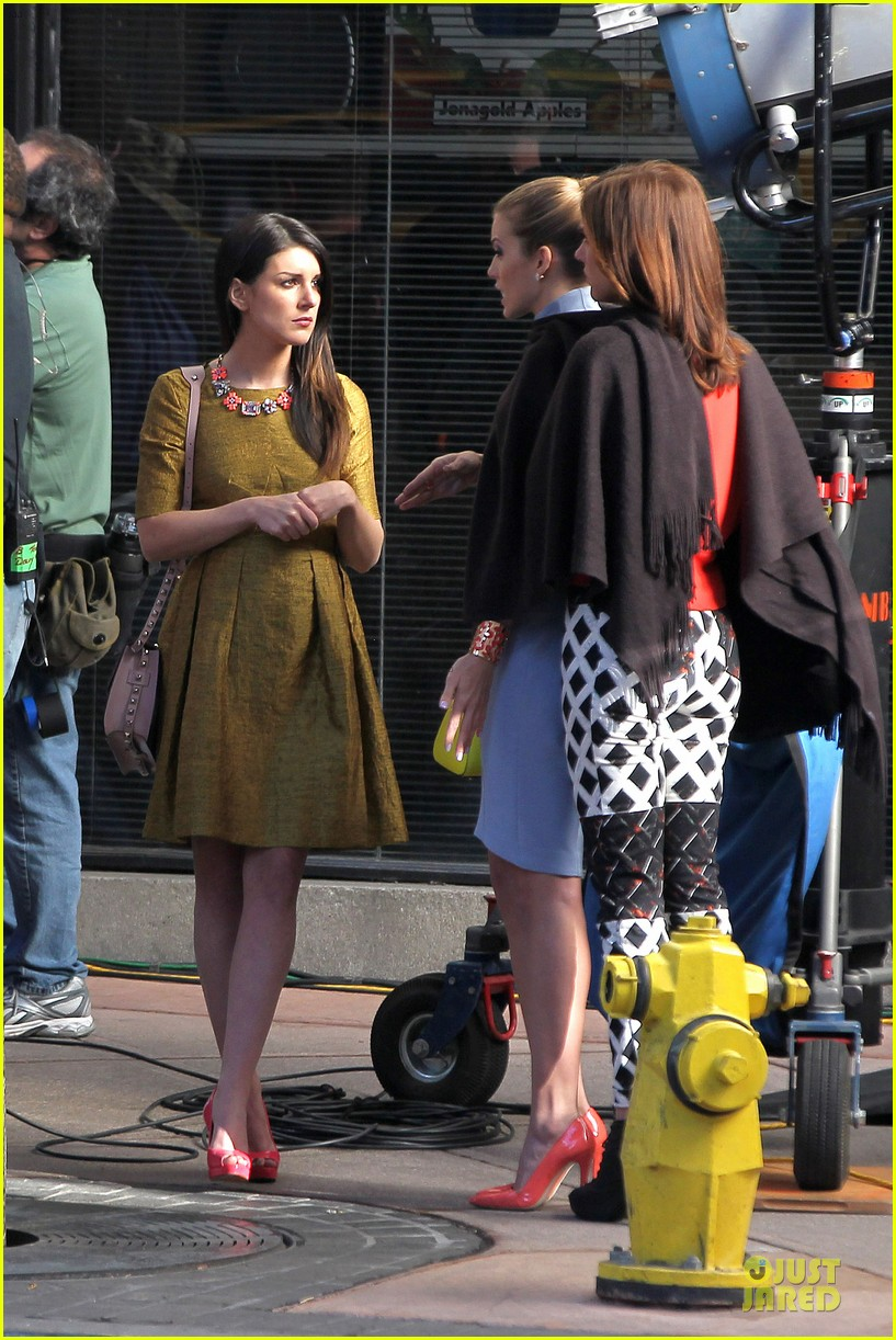 annalynne mccord new york glamour for 90210 09