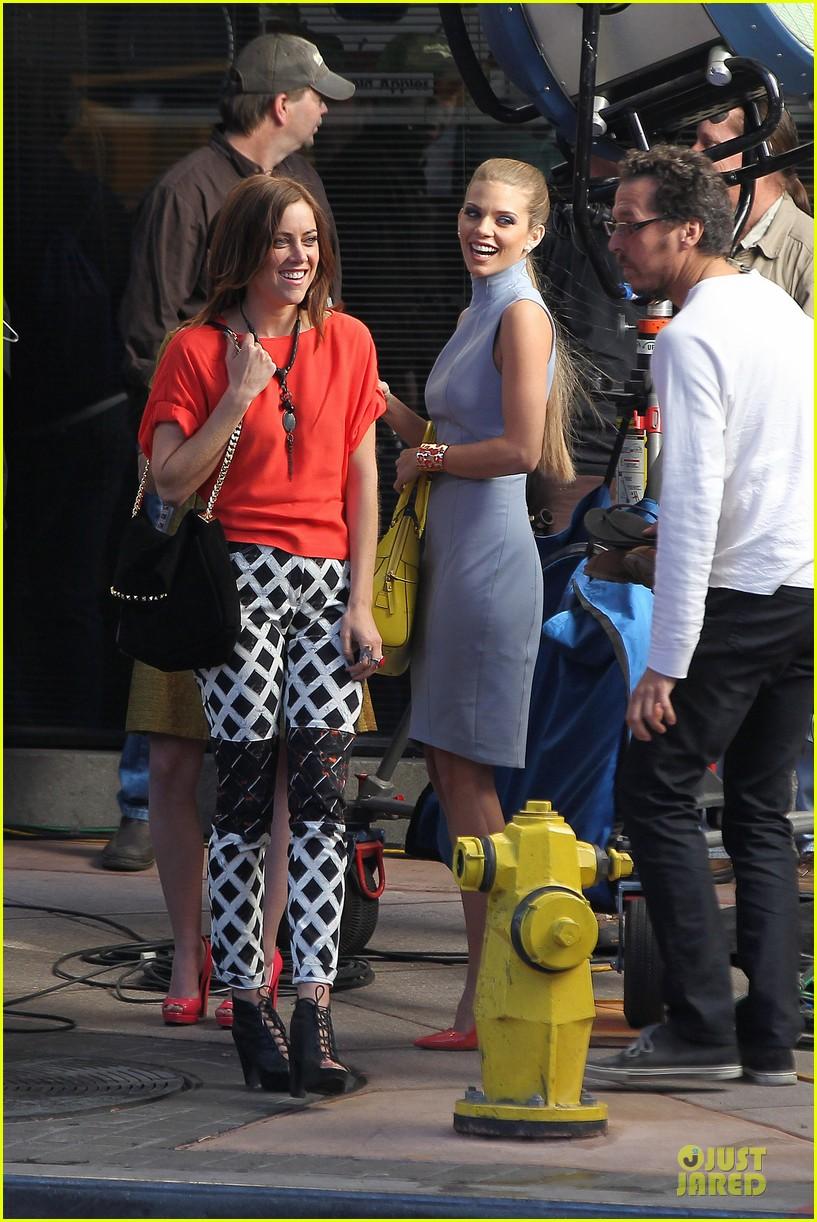annalynne mccord new york glamour for 90210 14