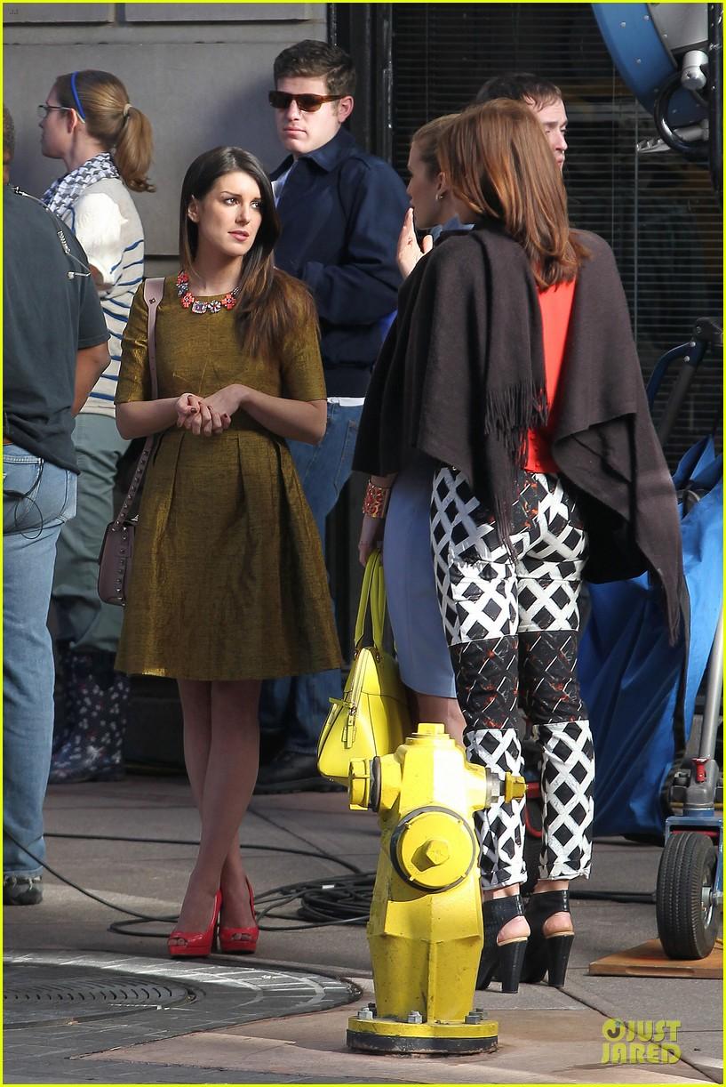 annalynne mccord new york glamour for 90210 19