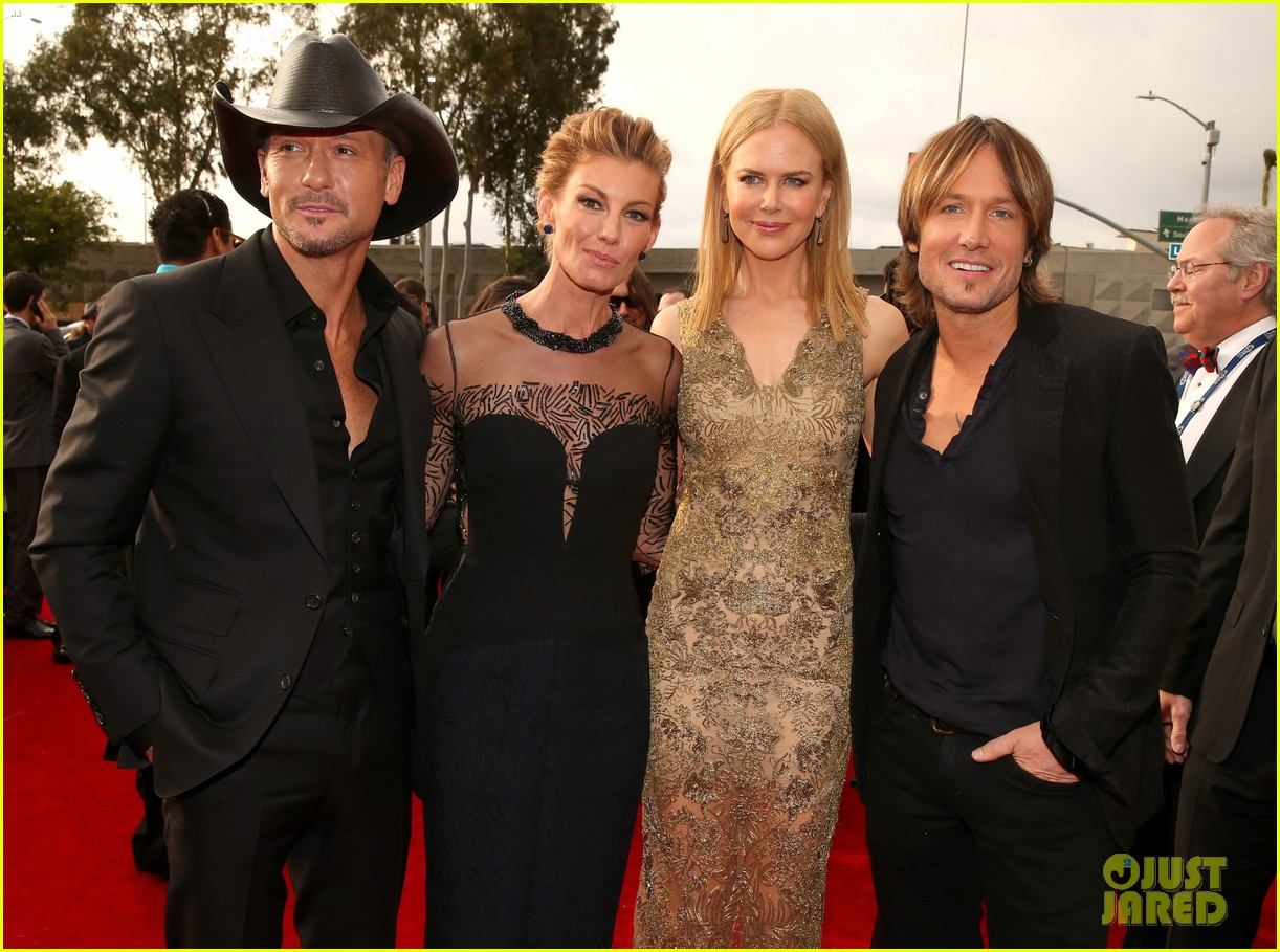 tim mcgraw faith hill grammys 2013 red carpet 092809427