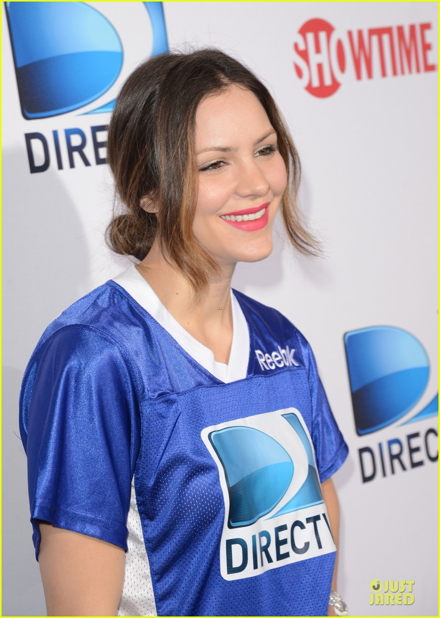 katharine mcphee chrissy teigen celebrity beach bowl gals 11